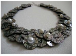 ArtBijou shell & pearl bib necklace