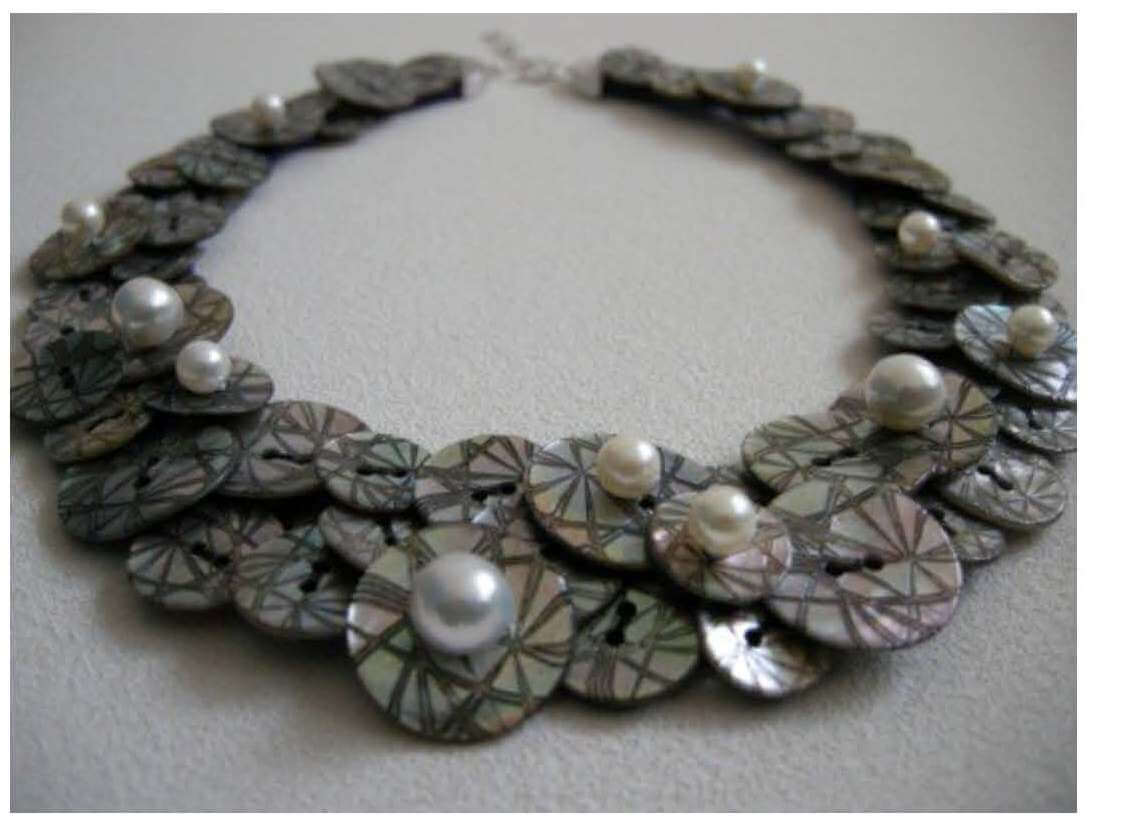 ArtBijou shell & pearl bib necklace