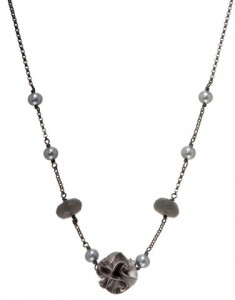Chihiro Makio silver one bead flora necklace