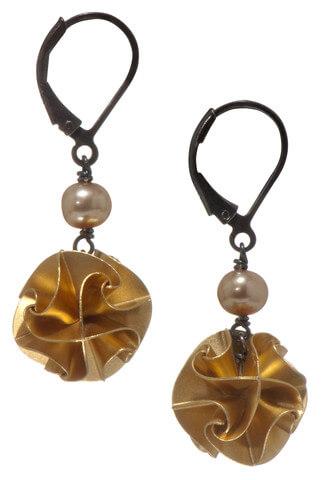 Chihiro Makio Gold Pearl Flora Earrings