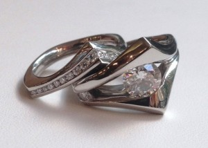 Floating diamond bridal set in palladium