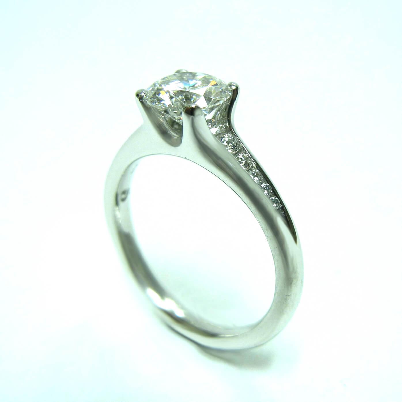 4 Prong platinum diamond engagement ring