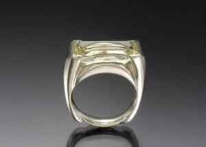 Bery White Gold Ring