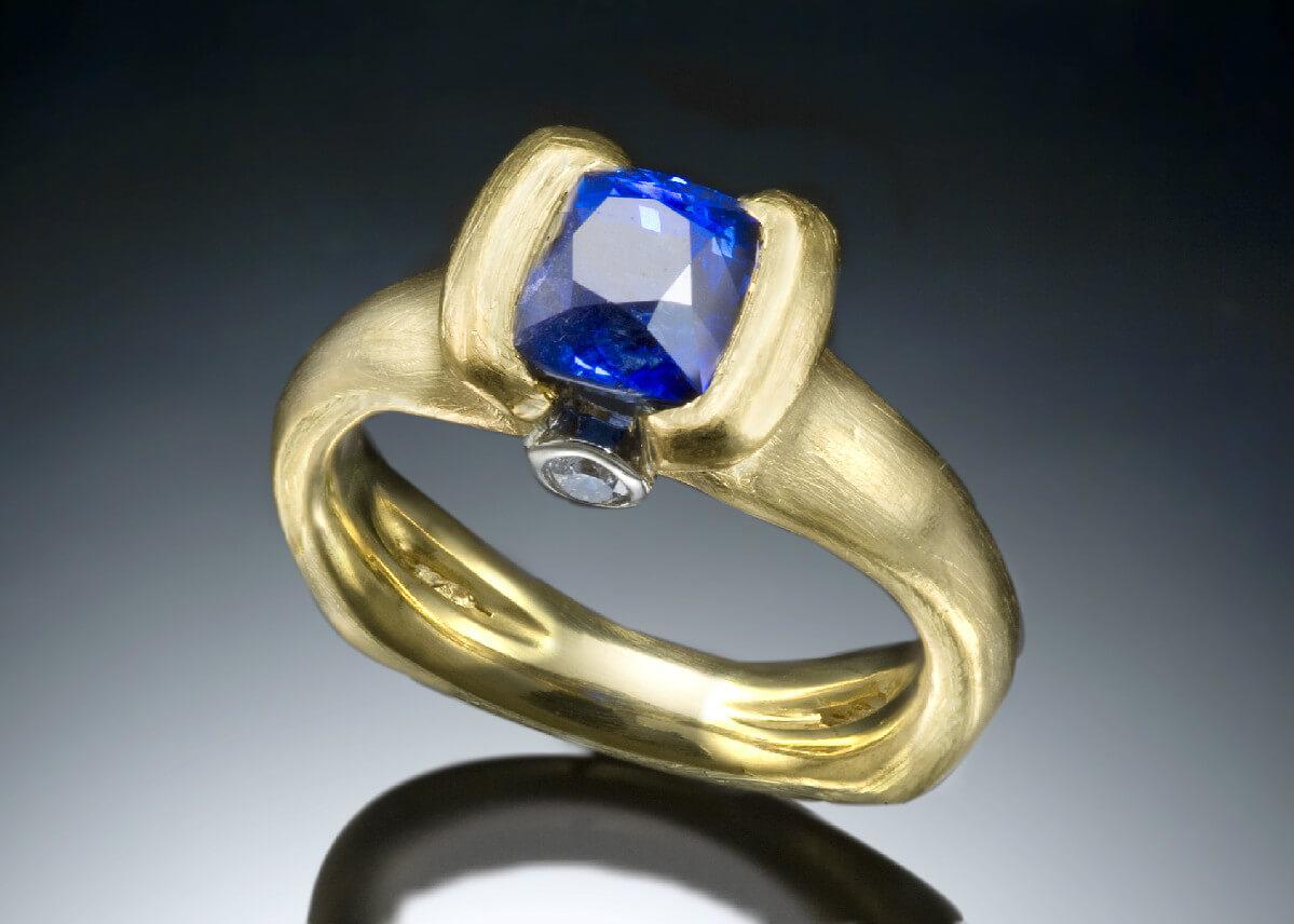 Ceylon Sapphire 22k Mali Gold Ring