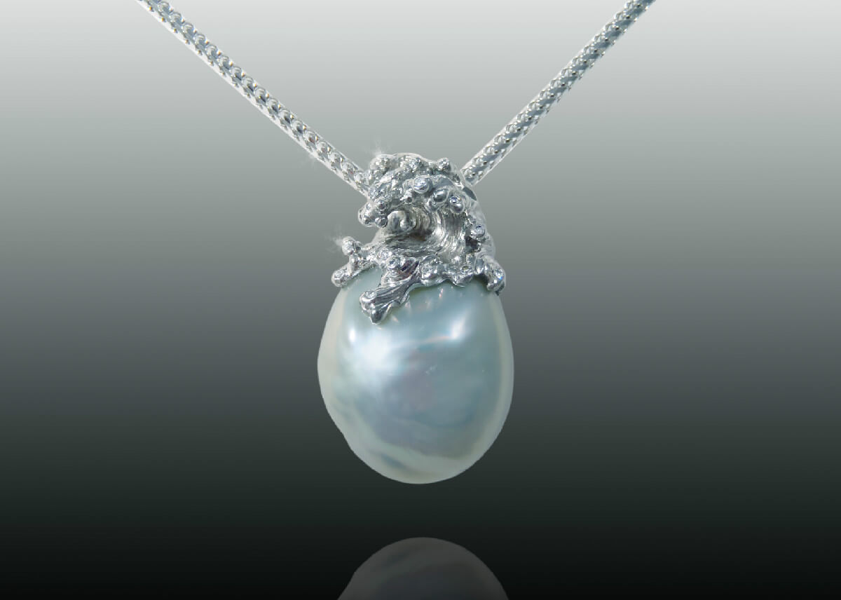 Palladium diamond wave pearl pendant