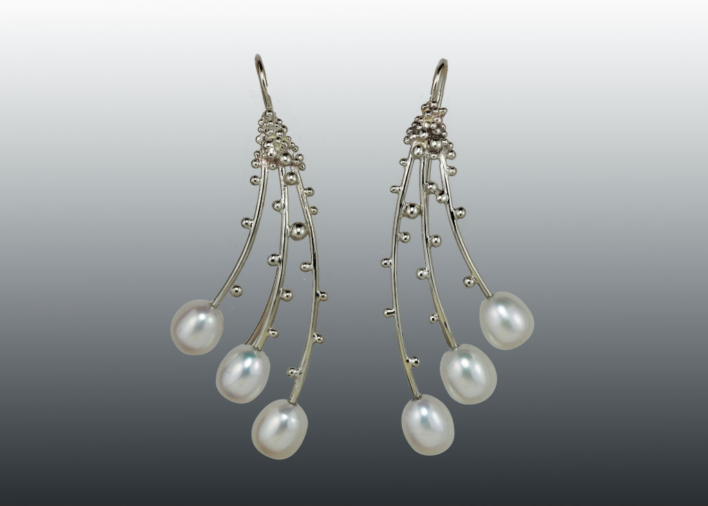 pearl branches earrings in 14k white gold with granulation