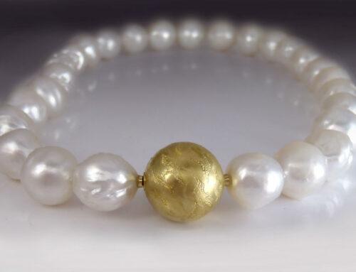 Gold Bead Clasp Bracelet